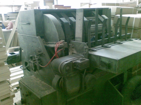 Автоматическая торцовочно-строгально-пильная линия Schreder