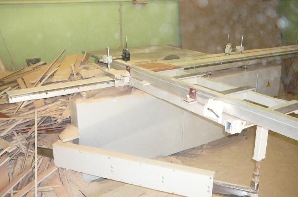 Станок форматно-раскроечный с подрезной пилой Ц5-Ф3000