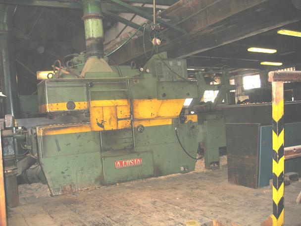 Фрезерно-брусующая линия для распиловки тонкомера