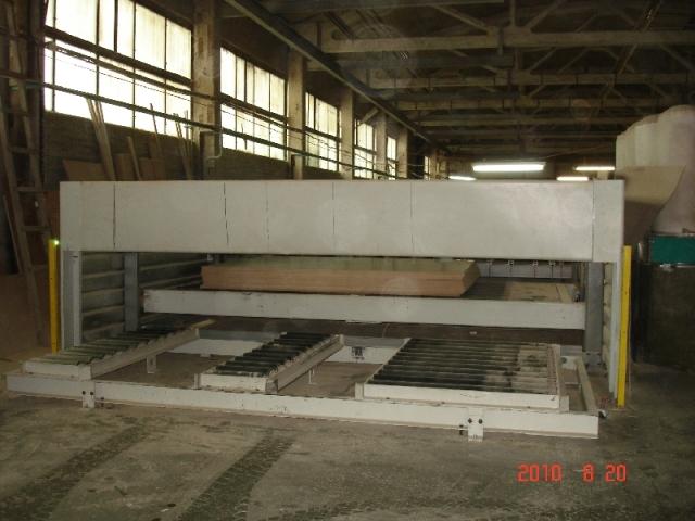 Раскроечный центр с ЧПУ с подъемным столом  Biesse SELCO EBT-120L