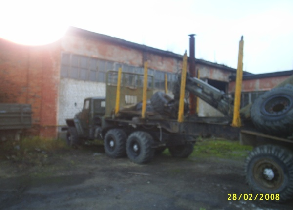 Лесовоз Урал с гидроманипулятором  Форестер 897