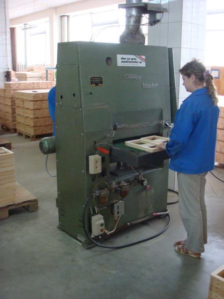 Шлифовально-калибровальный станок фирмы Sanding Master для древесины